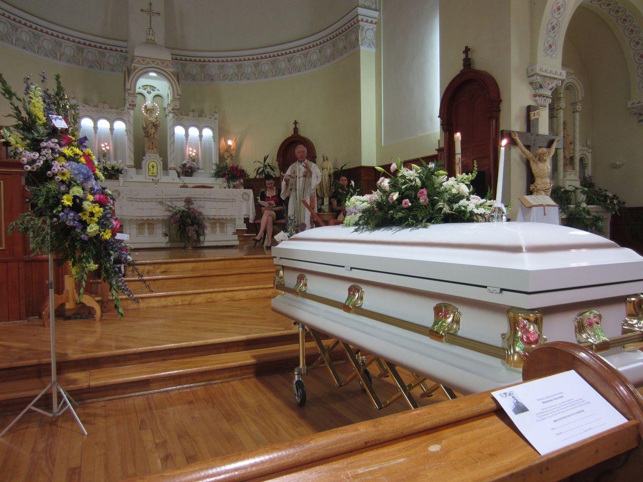 Funérailles église de Racine, paroisse Sainte-Famille de Valcourt